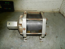 Enerpac B-3304 Air hydraulic booster intensifer B3304