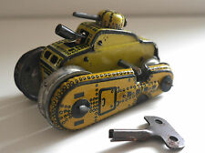 VINTAGE TINPLATE SPARKING TANK GERMANY C. 1950's WORKING WITH KEY GAMA T56 ?