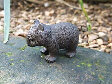Small plastic Australian mammal model WOMBAT 'Science and Nature '