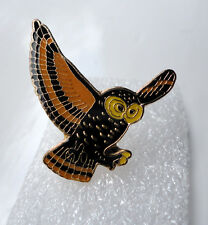 ZP118a Unusual Cute Wise Old Owl Enamel Lapel Pin Badge Brooch