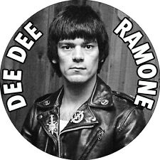 CHAPA/BADGE DEE DEE RAMONE . ramones joey johnny thunders punk heartbreakers