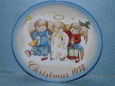 35 YEARS OLD SCHMID COLLECTOR PLATE CHRISTMAS SISTER BERTA HUMMEL 1978