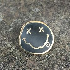 NIRVANA SMILEY FACE ENAMEL PIN BADGE | ROCK ART | RARE COLLECTORS ITEM