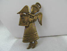 Vintage RARE J.J. JONETTE AGED GOLD DIMENSIONAL ANGEL TEACHER PIN BROOCH, Detail
