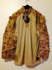 "NWT USMC FROG SHIRT DESERT DIGITAL DEFENDER ""M"" MEDIUM / REGULAR"