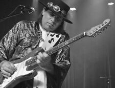 STEVIE RAY VAUGHAN POWERHOUSE GUITARIST ROCK MUSIC 8X10 CONCERT PHOTO PICTURE