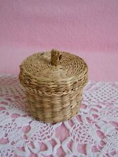 Vintage  Woven  Small  Round  Basket  With Lid