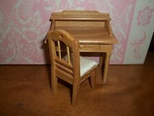 SMALL STUDENTS OAK  DESK AND CHAIR  - DOLL HOUSE MINIATURE
