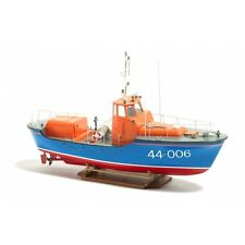 Waveney Class RNLI Lifeboat 1:40 Scale - Billing Boats Ship Kit B101