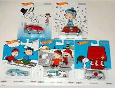 HOT WHEELS 2016 POP CULTURE HOLIDAY PEANUTS 5 CAR SET E CASE SNOOPY CHARLIE