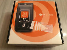 New, never used Vintage LG U880C GSM Cellphone Flip Phone. Complete in box.