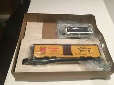 LIONEL 6-19802 OPERATING CARNATION MILK CAR BOXED WITH 8 MILK CANS