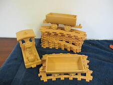 LIONEL VINTAGE PLASTIC TOY TRAIN SET NON POWER WITH TRACK
