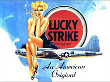 Lucky Strike Cigarettes, Pin up Girl, B-17 WW2 US Avion, Petit Métal/étain signe