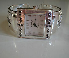 CHARMING LADIES WESTERN STYLE SILVER FINISH CROSS BANGLE CUFF FASHION WATCH
