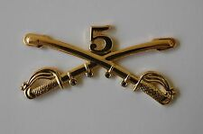 US USA Army 5th Cav Cavalry Crossed Sabers Military Hat Lapel Pin