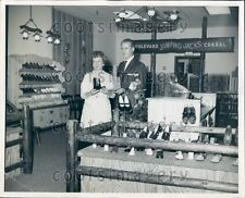 1966 Inside Boulevard Shoe Store Richmond Mall Cleveland Ohio Press Photo