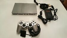 Sony PlayStation 2 Slimline 4 GB Satin Silver Spielekonsole SCPH-75004