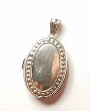 Vintage 925 Sterling Silver PATTERNED BORDER OVAL PHOTO LOCKET 7.1g