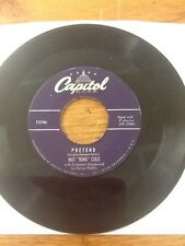 NAT KING COLE PRETEND/DON'T LET YOUR EYES GO SHOPPING CAPITOL 45 RPM