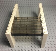 Lego New City White Garage With Trans-black Door Roller And Black Handle Part X1