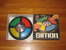 1986 MILTON BRADLEY SIMON COMPUTER CONTROLLED GAME IN BOX IN EXCELLENT COND.