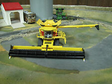1/64 ERTL LIMITED ED. 40TH ANNIVERSARY NEW HOLLAND CR8.90 COMBINE w/ Draper Head