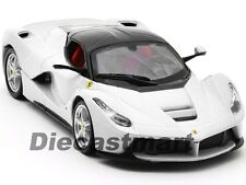 FERRARI LAFERRARI F70 WHITE 1:24 DIECAST MODEL CAR BY BBURAGO 26001