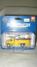 Walthers/Boley HO  International 4300 Utility Truck w/Drill #949-11732