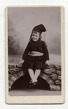 CDV - PHOTO - ENFANT - Costume traditionnel - Pont Folklore - Vers 1900.