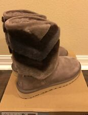 NWT UGG Women's Tania Fur Boot Size 6 Gray Brown