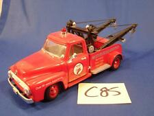C85 VINTAGE GEARBOX 1/24 SCALE 1953 RED FORD DIECAST TOW TRUCK TEXACO FIRE CHIEF