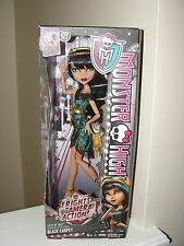 """MONSTER HIGH CLEO DE NILE FRIGHTS CAMERA ACTION"" DOLL"