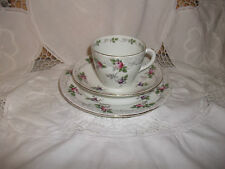 Shelley new york forme joli rose & mauve roses tasse soucoupe & tea plaque trio