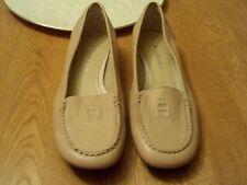 Women's Etienne Aligner Shoes Size 7.5  Beige Worn once