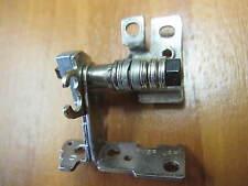 Original Scharnier recht FM8R aus einem Dell Studio 1558 / PP39L