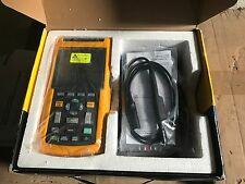 Fluke 125 Digital Oscilloscope, 2 Channels, 40MHz  - 125/101-M02