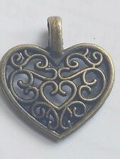 25 X TIBETAN ANTIQUE GOLD PLATED FILIGREE HEART CHARM PENDANTS