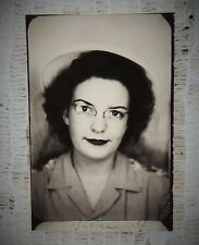 """VINTAGE 1944 PHOTOBOOTH PHOTO - LADY IN HAT & GLASSES- SIZE 2"""" X 1.5"""" TOTAL"""