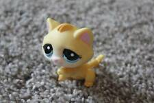 Littlest Pet Shop Yellow Kitty Cat #1035 Blue Eyes Raised Paw LPS Girls Toy Cute