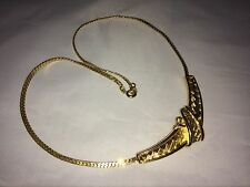 VTG. CROWN TRIFARI SHINY GOLD TONE ORNATE TIED RIBBON CHOKER NECKLACE