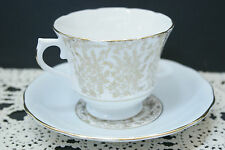 Oustanding Vintage Royal Vale Footed Bone China Cup and Saucer SET, 6863 C.1953