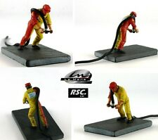 1:32 MATRA REFUELING ASSISTANT RIGHT FIGURE PAINTED LEMANS MINIATURES SCALEXTRIC