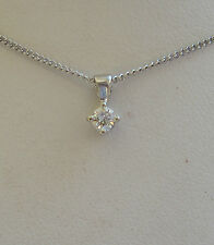 NUOVO .13ct Diamante Solitario Pendente in oro bianco 9ct & 18 POLLICI CATENA. FREEPOST