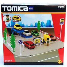 Tomy Tomica 85301 Hypercity Car Park Accessory Playset Tomi-Kid Mini Figure Toy