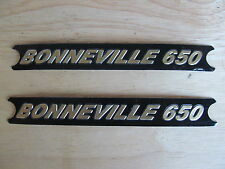 60-4147 TRIUMPH BONNEVILLE 650 BLACK / GOLD SIDE COVER PANEL BADGE DECAL (PR)