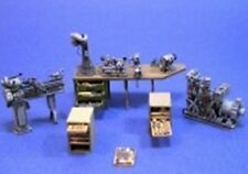 Resicast 1:35 UK Machinery and Tools (Figure is included) #352236