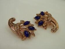 Feminine & Pretty Vintage 1940s Blue Thermoset Flower Double Brooch  126C