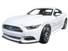 2015 FORD MUSTANG GT WHITE EXCLUSIVE EDITION 1/18 DIECAST MODEL BY MAISTO 38133