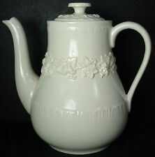 WEDGWOOD china QUEENSWARE cream on cream shell COFFEE POT with LID 34 oz.